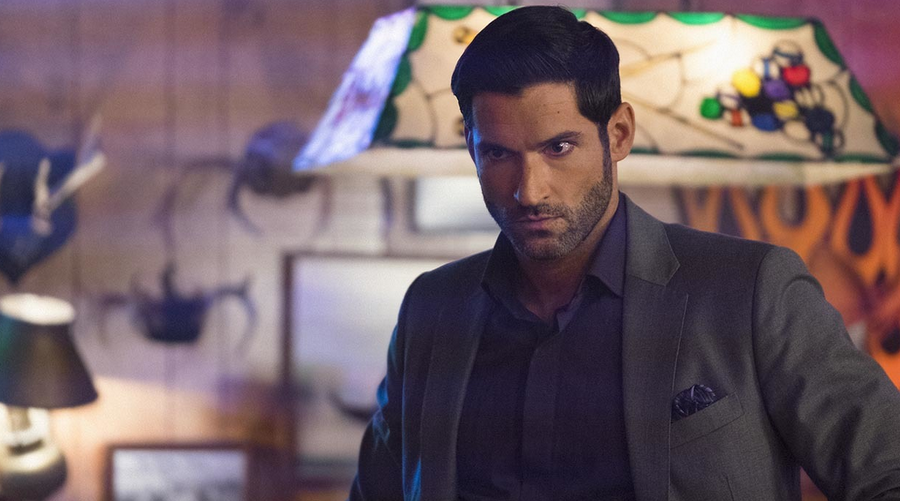 Crisis on Infinite Earths : Tom Ellis dément la présence de Lucifer dans le crossover du Arrowverse