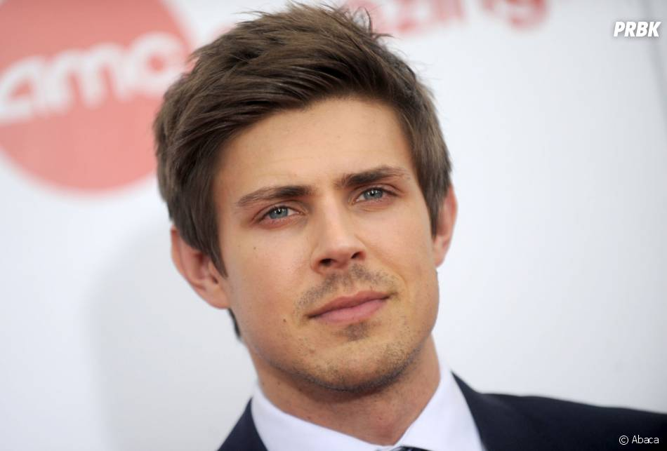 How I Met Your Father : Chris Lowell rejoint le casting du spin-off de How I Met Your Mother