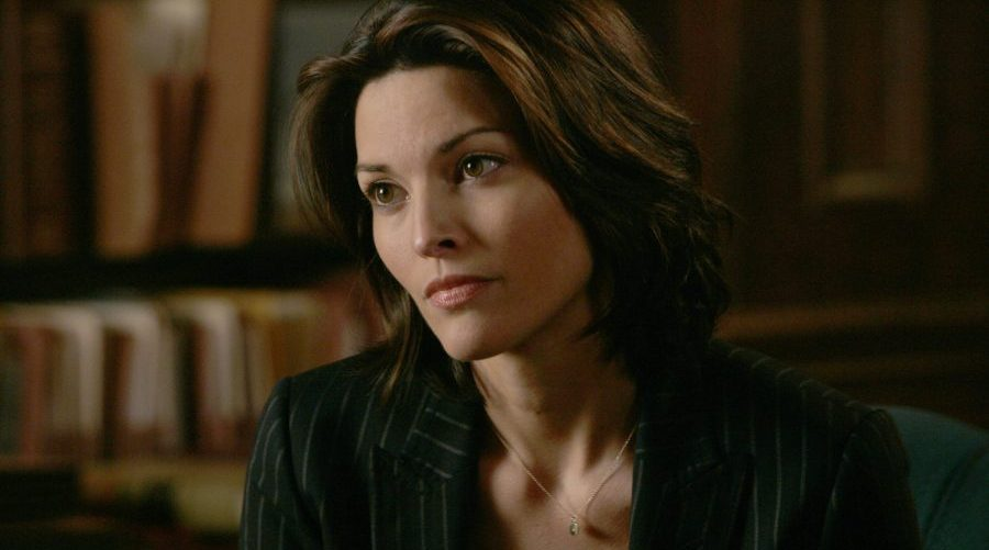 Alana de la Garza - Just About TV