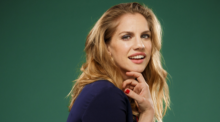 anna chlumsky movies and tv shows halt and catch chlumsky rejoint la s 233 rie pour 30630